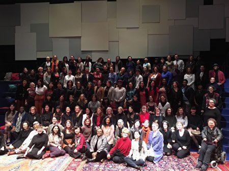 63个获得市政府女性电影资助的作品创作人员们。