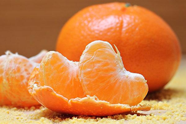 含有类胡萝卜素的非淀粉类蔬果及食物可降低口腔癌罹患风险。