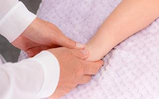 接骨、正骨,是中國古代醫學「十三科」之一,用以治療骨折、脫臼等外力導致的骨關節損傷。(Shutterstock)