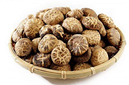 冬菇味甘性平凉。又称:香菇、复蕈、香菌。(Shutterstock)
