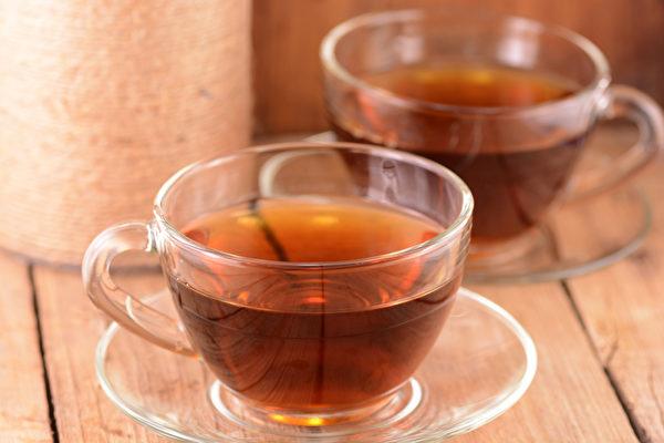 红茶可以去油腻、帮助胃肠消化、减肥消脂,有助于改善脂肪肝。(Shutterstock)