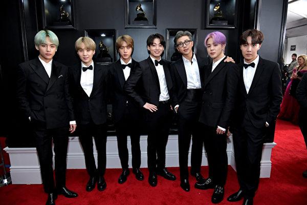 防弹少年团(BTS)出席第61届葛莱美奖颁奖典礼红毯资料照。(Neilson Barnard/Getty Images for The Recording Academy)