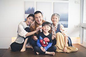《老鼠捧茶请人客》已经开拍,由演员陆弈静(右)、李千那(左)、傅子纯(左二)等人领衔主演。