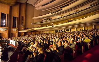 神韻洛杉磯大爆滿 國會候選人感悟真的有神