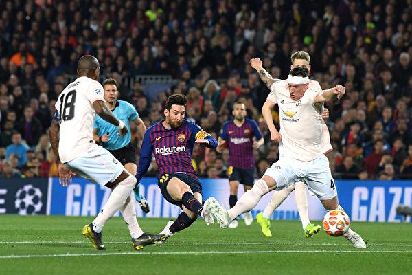 歐冠八強戰:巴薩輕取曼聯