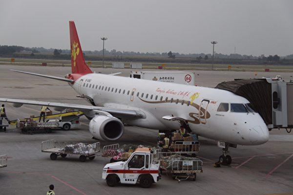 """基於飛安,天津航空緊急取消航班。示意圖。(<a href=""""http://www.epochtimes.com/b5/19/4/23/n11206557.htm"""" target=""""_blank"""" rel=""""noopener noreferrer"""">Aeroprints.com/Wikimedia Commons</a>)"""