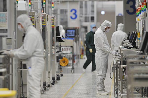 间谍疑虑及贸易战 多家科技公司撤出中国