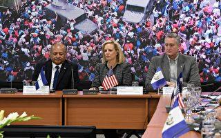 美国安部长:非法移民问题如五级飓风灾难