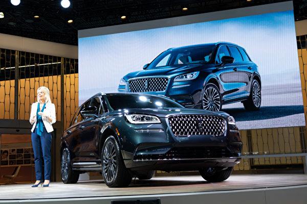 2019紐約國際車展,林肯全新CORSAIR。(戴兵/大紀元)