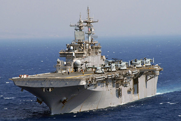 """美国海军两栖攻击舰""""黄蜂号""""(USS Wasp)。(维基百科公有领域)"""