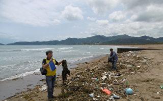 金山万里海域大量垃圾  渔民无法出海