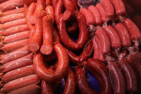 國際媒體分析,中國豬肉短缺,預計未來烤肉到西班牙火腿、德國香腸等豬肉食品都將大幅漲價。圖為示意圖。