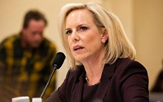 美國國土安全部長克絲珍.尼爾森表示,將加速在美國南部邊境部署數百名官員,把尋求庇護的移民遣返回墨西哥。(Aurora Samperio/Getty Images)