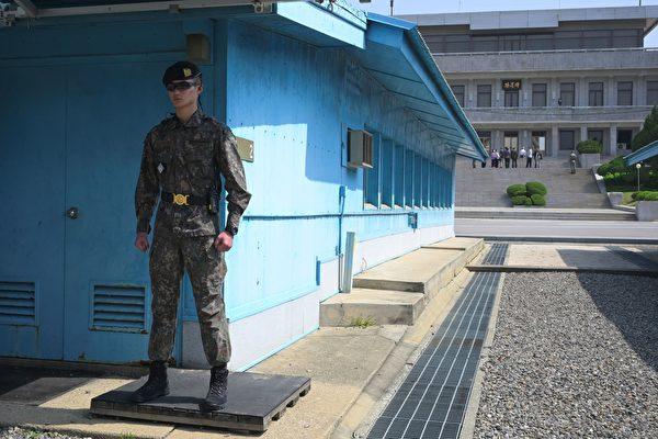 朝鮮在平壤當地時間週六(5月4日)上午9點發射數枚不明飛行物後,美國總統川普(特朗普)發推文說,他相信朝鮮領導人金正恩不會食言,美朝仍有可能達成無核化協議。(Jung Yeon-je / AFP)
