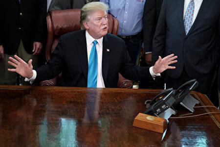 美國總統川普24日表示,預期美中貿易戰很快會結束,中共可能笑不出來。