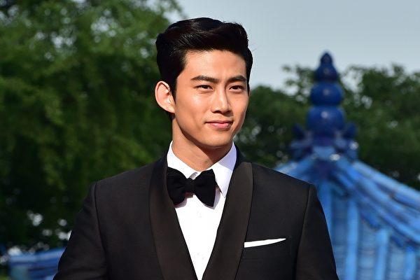 韓國人氣男團2PM成員玉澤演資料照。(JUNG YEON-JE/AFP/Getty Images)