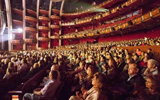神韻好萊塢4場全爆滿 9次艾美獎得主盛讚