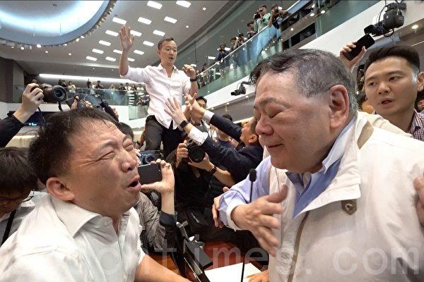 反对引渡恶法 泛民通宵力争 建制派宣布终止会议