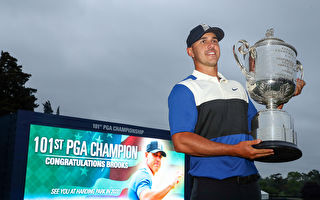 PGA高球锦标赛 科普卡有惊无险卫冕成功