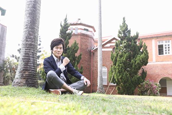 洪荣宏在母校淡江中学拍《台湾我爱你》