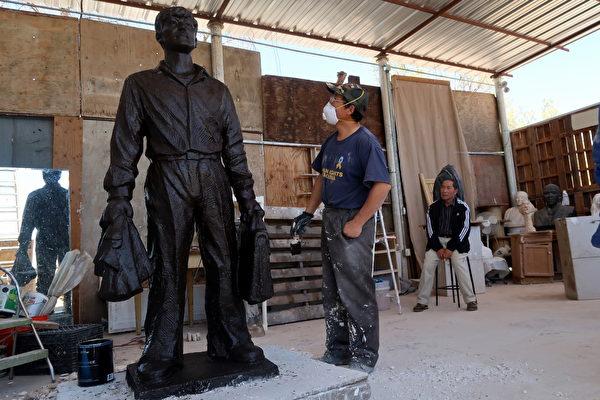 六四30周年 「坦克人」雕像現身美國加州
