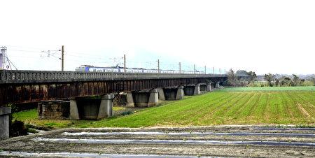 舊大安溪橋完成修復後,可串連日南車站周邊景觀公園步道,並開放民眾參觀,形成風格獨特的在地景點。