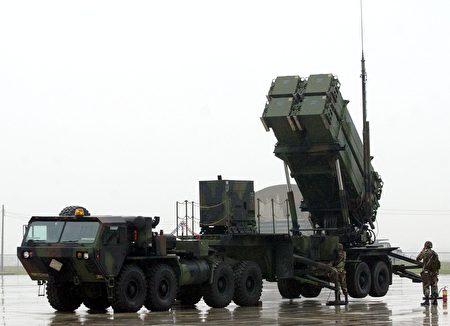 中共正在研究和發展的對台灣動武選項包括:空中和海上封鎖;空中轟炸或飛彈襲擊等。圖為用於防禦空襲的愛國者飛彈系統。