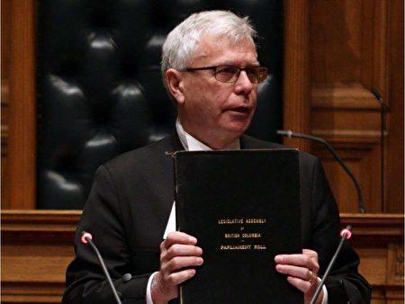 涉嫌滥用公款丑闻的卑诗省省议会秘书雷格·詹姆斯(Craig James),周四宣布辞职。(加通社)