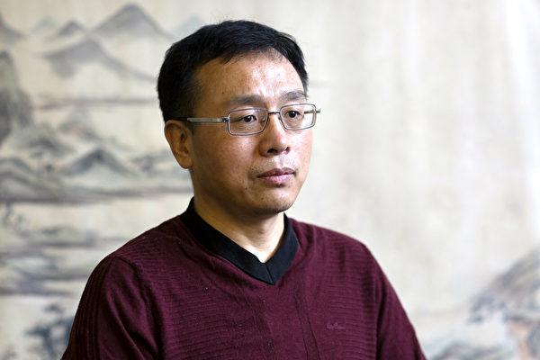 李振軍在紐約曼哈頓講述他在中國遭受迫害的故事。 (Samira Bouaou/Epoch Times)