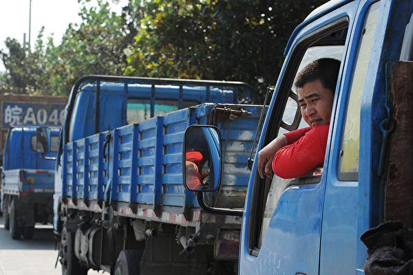 最新數據顯示,中國柴油使用量近期呈二位數下滑,透露中國經濟進入寒冬。