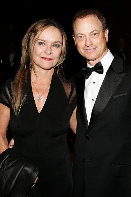 Actor Gary Sinise (R) and wife Moira Harris arrive at the 17th Annual Palm Springs International Film Festival Gala at the Palm Springs Convention Center on January 7, 2006 in Palm Springs, California. (Frazer Harrison/Getty Images)