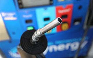 油价转低 长周末全美3800万人出行