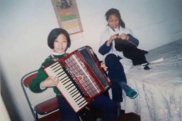张羽和妈妈叶旭霞的合照(受访者提供)