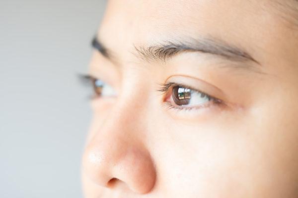 干眼症患者想要减缓症状,保护眼睛,应该怎么做?(Shutterstock)