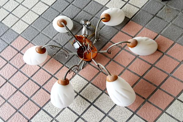 DIY自组 天花板吸顶灯修缮