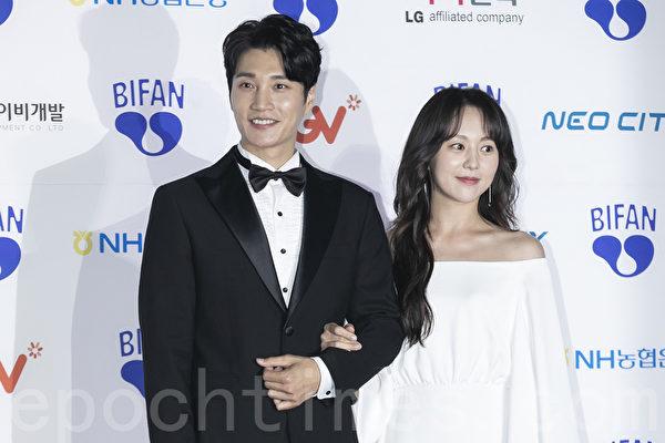 Kim DaHyun and YuDaIn
