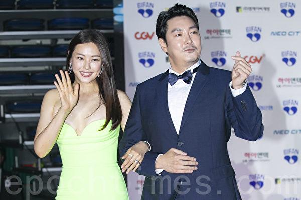 Cho JinWoong and Lee Ha-nui