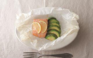 《摆谱》料理:烤鲑鱼佐酪梨