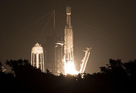 福爾摩沙衛星七號25日由SpaceX獵鷹(Falcon Heavy)重型火箭搭載升空。