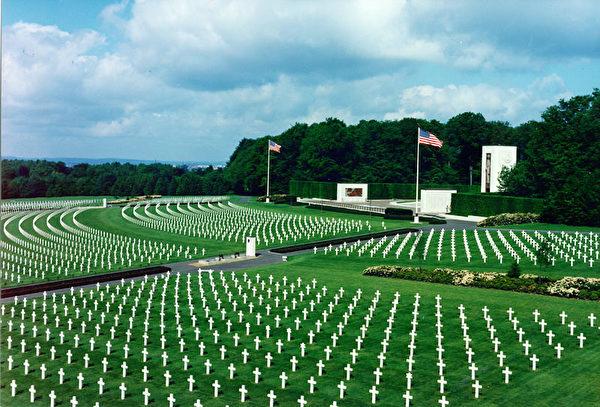 盧森堡美軍公墓和紀念館。(公有領域)
