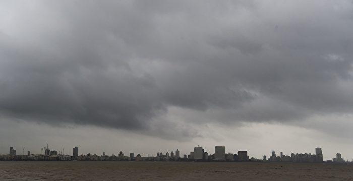 20年來最強熱帶氣旋抵印度 30萬人撤離