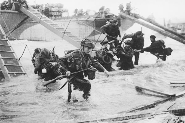 1944年诺曼底登陆资料照。(Hulton Archive/Getty Images)