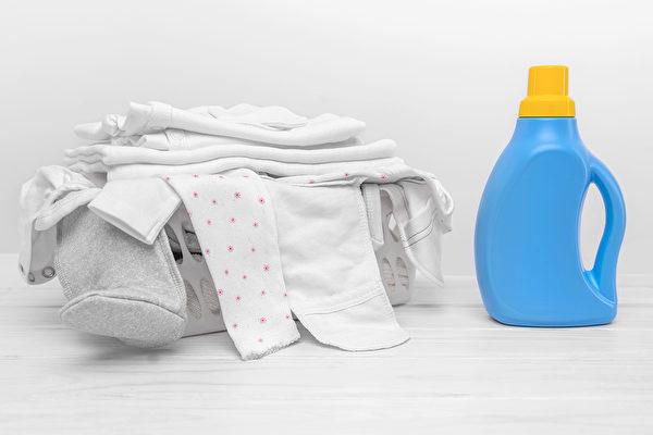 漂白劑不是具有高毒性的化學物,但在洗衣時應避免隨意混用。(Shutterstock)