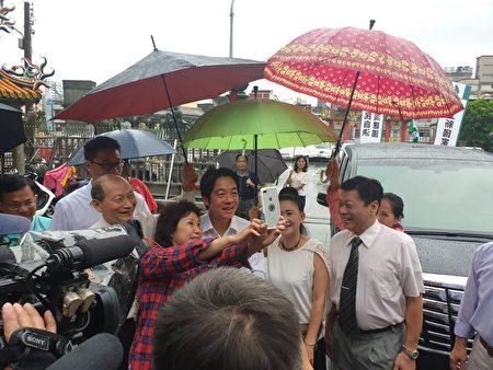 住在竹北的女士与赖清德自拍
