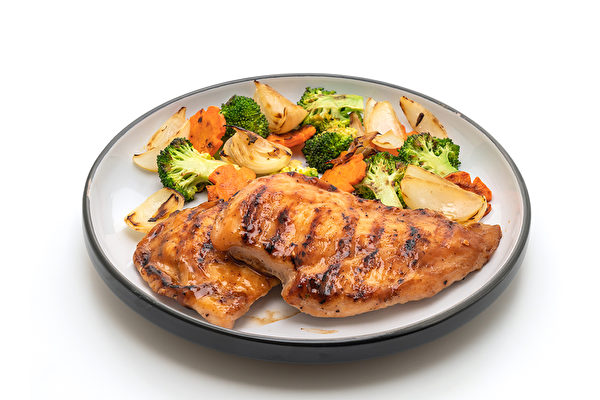 她三餐吃得美味、不挨饿,却从70公斤瘦到48公斤,而且没再复胖过。(Shutterstock)