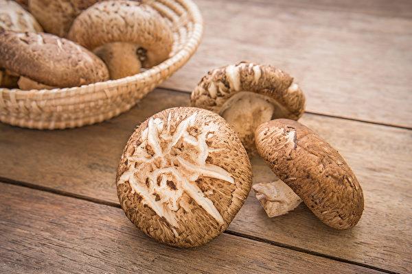 香菇、杏鲍菇等菇类的农药如何清洗去除?(Shutterstock)
