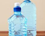 """塑膠產品(塑料制品)的包裝上常常有一個數字,這就是""""回收辨識碼""""。(Shutterstock)"""