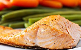 高脂鱼类是Omega-3脂肪酸的绝佳来源,有助改善视力、抗发炎。(Shutterstock)