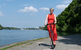电动滑板车或风靡加拿大 城市如何应对?