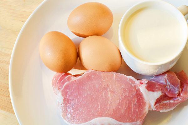 富含色含酸的食物可以为身体提供血清素制造来源,抵抗忧郁情绪。(Shutterstock)